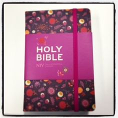 Our pretty NIV Floral Pocket Notebook Bible, which features, clear, readable 6.75PT text, a ribbon marker and a back pocket for storing notes. #Bible #NIV