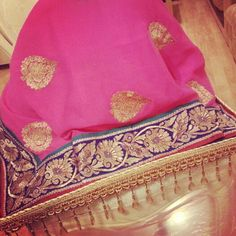 Saree  presentation  tray by Om  Gifts