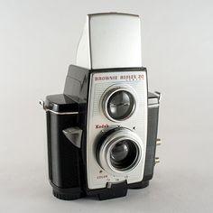 Kodak Brownie Reflex 20 Camera - Through the Viewfinder photography (TtV) - #SurplusCameraGear