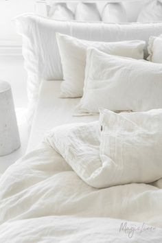 Nothing gives your bedroom decor a more elegant look than pure stonewashed linen bedding. Individual hand-sewn items are available: linen duvet covers, linen pillows, sheets, bed skirts. Find the magic of linen! Best Bedding Sets, Bedding Sets Online, Luxury Bedding Sets, Comforter Sets, King Comforter, Comforter Cover, Bed Linen Sets, Linen Duvet, Linen Pillows