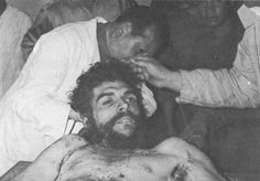 Ernesto Che Guevara - in images and words……: Capture and Death Ernesto Che Guevara, Human Oddities, Post Mortem Photography, Images And Words, Famous Celebrities, Military History, Vintage Photography, Revolutionaries, Celebrity Photos