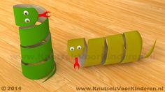 Slang van wc rol - Knutsels Voor Kinderen - Leuke Ideeën om te Knutselen met Duidelijke Uitleg Fun Crafts For Kids, Summer Crafts, Preschool Crafts, Diy For Kids, Activities For Kids, Diy And Crafts, Arts And Crafts, Toilet Paper Roll Crafts, Paper Crafts