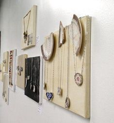 Creative Ways To Display Jewelry 17 best jewellery display exposio de bijutaria images on kays jewelry sale