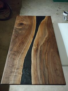 Walnut and black epoxy for coffee table Great looking piece of wood. Epoxy Wood Table, Coffe Table, Wood Tools, Woodworking As A Hobby, Scroll Saw, Pyrography, Dining Room Table, Wood Working, Sweet Home