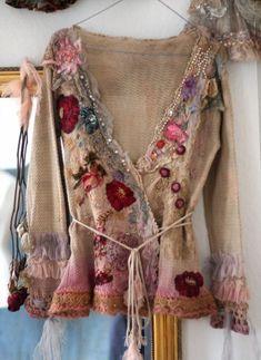 Blog sobre moda alternativa,gótica para pessoas maduras,amantes da natureza e de uma vida simples,porém estilosa.