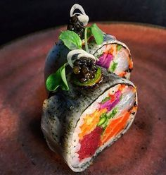 My name is TomySushi... And I offer you the best sushi.. I'm waiting for you #sushi dream collection