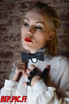 Gloves, Bows, Tie, Leather, Fashion, Arches, Moda, Fashion Styles, Bowties