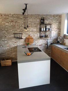 Old look New york steen strips #strips #steenstrips #steenstripsmuur #oldlook #newyork #look #interiordesign #interior #woonkamerinspiratie #wooninspiratie #livingroom #design #bedroom #slaapkamer  #home#interieur #inspiratie #decoratie #styling #style#instahome #homedecor #thuis #huis #wonen #sfeer#sfeervol #love #stenen #muur #baksteen