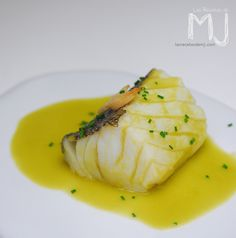Bacalao al pil pil / Cod with pil pil sauce (tipical Spanish recipe)