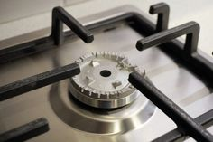 We have technicians with over 25 years of experience, for your electric oven, gas oven, Free Standing Cooker and Stove repairs in Sydney. Book online or Call 98633217 and get it fixed by the experts ASAP. For more info please see our price page. Appliance Repair, Appliance Parts, Forno A Gas, Gas Oven, O Gas, Oven Cleaning, Cleaning Tips, Gas And Electric, How To Cook Pasta