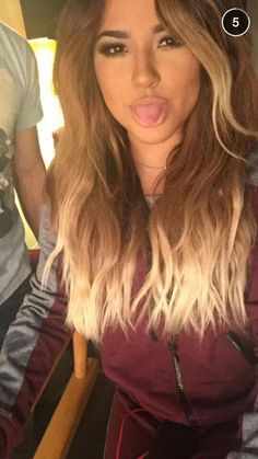Becky G new hair style Becky G Outfits, Hairstyles With Bangs, Braided Hairstyles, Cool Hairstyles, Becky G Hair, Becky G Style, Snapchat, Long Hair With Bangs, About Hair