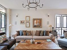 living room - love the coffee table and colors - ריקי קורי בכר