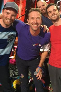 Chris martin and the band! Love Band, Cool Bands, Coldplay Lyrics, Coldplay Band, Coldplay Concert, Chris Martin Coldplay, Jonny Buckland, Country Music Singers, My Favorite Music