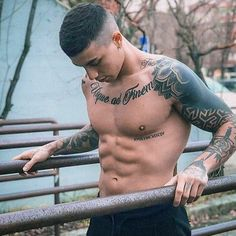 Hot Guys Tattoos, Cool Chest Tattoos, Boy Tattoos, Eagle Chest Tattoo, Torso Tattoos, Sleeve Tattoos, Faded Hair, Shoulder Tattoos For Women, Boy Hairstyles