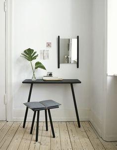 Stool + desk