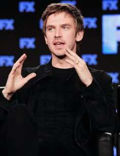 Welcome to dailydanstevens! This blog is dedicated to the english actor Dan Stevens.