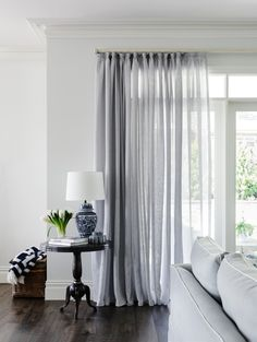 Tips For Choosing Window Treatments Sharing some of my tips for choosing curtains and blinds. Gallerie B Tips For Choosing Window Treatments Sharing some of my tips for choosing curtains and blinds. Curtains Living, Rustic Curtains, Living Room Windows, Colorful Curtains, White Curtains, Curtains With Blinds, Vintage Curtains, Kitchen Curtains, Retro Curtains