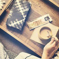 Having a coffee on our basic wooden tray ☮✌️ #freesoul #freesoulbcn #exotic #gypsy #wild #wildspirit #borntobewild #bracelets #necklaces #ac...
