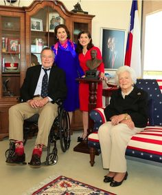 Former President George H. Bush is a fan of Mack Weldon - are you? Presidents Wives, American Presidents, First Lady Of America, Barbara Bush, Laura Bush, Hw Bush, Robin, Hollywood Forever Cemetery, My Fellow Americans
