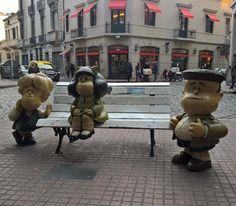 mafalda #mafalda #bsa #autumn #cornerstreet #bsa #waiting #caba #southamerica #downtown #streetphoto by kwantharo