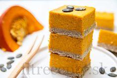Individuálny kakaový cheesecake z tvarohu Cornbread, Baked Goods, Granola, Smoothie, Cheesecake, Baking, Healthy, Fitness, Ethnic Recipes
