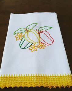 Towel Embroidery, Hand Embroidery Videos, Hand Embroidery Stitches, Machine Embroidery Patterns, Hand Embroidery Designs, Crochet Boarders, Crochet Lace Edging, Diy Crochet, Brother Innovis