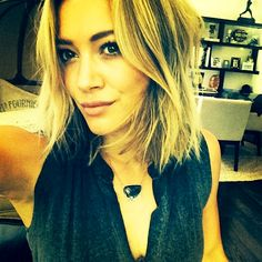 Hilary Duff shares a snap of her new short hair on Thursday, May 29