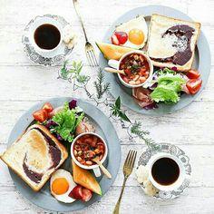 instagram Breakfast Cafe, Good Morning Breakfast, Cafe Food, Food Menu, Brunch, Food Goals, Food Presentation, Food Design, Food Photography