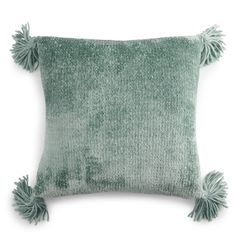Add the perfect accent to your bedroom or living room ensemble with this chenille throw pillow from LC Lauren Conrad. Patio Pillows, Green Throw Pillows, Lc Lauren Conrad, Dark Grey Couches, Mint Rooms, Dorm Bedding, House In The Woods, Modern Interior Design, College Room