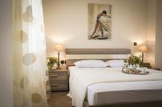 Nefeli Villas and Suites Luxury Decor, Luxury Interior Design, Beautiful Villas, Luxury Villa, Renting A House, Luxury Branding, Real Estate, Bedroom, Modern