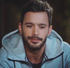 Twitter Turkish Men, Turkish Fashion, Turkish Actors, Best Love Stories, Love Story, Elcin Sangu, Hot Actors, Baby Daddy, Barista