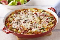 Combine veggies with mozzarella and pasta sauce in our Skillet Vegetable 'Lasagna.' Skillet Vegetable 'Lasagna' is a simple take on meatless lasagna. Yummy Pasta Recipes, Vegetarian Recipes, Dinner Recipes, Healthy Recipes, Vegetarian Dish, Vegetarian Dinners, Dinner Menu, Dinner Table, Meatless Lasagna