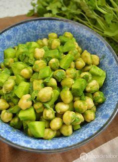 Ensalada de garbanzos, cilantro y limón  www.pizcadesabor.com