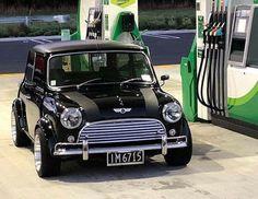 mini cooper s Mini Cooper Classic, Mini Cooper S, Classic Mini, Mini Countryman, Mini Clubman, Cool Sports Cars, Cool Cars, Retro Cars, Vintage Cars