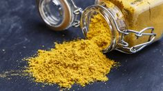 Turmeric or haldi holds immense importance in Indian households. From our food to beauty rituals, turmeric is one of Ayurveda's most prized spice too. A storehouse of health benefits, consuming turmeric daily may also boost your memory and uplift. Turmeric Uses, Turmeric Milk, Turmeric Health Benefits, Turmeric Plant, Turmeric Smoothie, Turmeric Recipes, Detox Recipes, Fodmap, Herbs