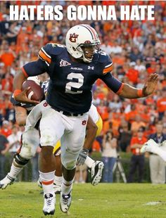 Quarterback Cameron Newton of the Auburn Tigers rushes upfield against the LSU Tigers at Jordan-Hare Stadium on October 2010 in Auburn, Alabama. Football War, Auburn Football, College Football Teams, Auburn Tigers, Football Players, Football Helmets, Auburn Alabama, Clemson