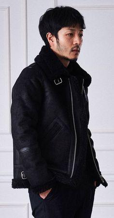 빈티지한 크랙과 워싱작업, 압축된 양모로 제작된 무스탕 자켓! Doffjason Crack mouton jacekt (black)