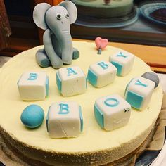 Whitechocolate cheesecake Baby Shower Cakes, Cheesecake, Desserts, Food, Cakes Baby Showers, Tailgate Desserts, Deserts, Cheesecakes, Essen