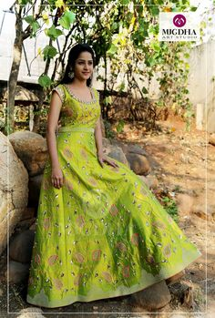Gorgeous Green  lehenga with Beautiful  Handmade work from  MugdhaArtStudioWe can Customize the Color and Size as per your Requirement Product Code - LHG-235To Order with us :Please reach out to+91 8142029190/ 9010906544 (whatsapp)For Call: 8899840840 (IVR)  21 January 2017