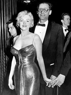 "After meeting Queen Elizabeth II Marilyn Monroe, Arthur Miller, and Milton Greene saw a showing of ""The Battle of the River Plate"" at the Empire Theatre in Leicester Square. Old Hollywood, Viejo Hollywood, Classic Hollywood, Estilo Marilyn Monroe, Fotos Marilyn Monroe, Marilyn Monroe Dresses, Divas, Joan Crawford, Joe Dimaggio"