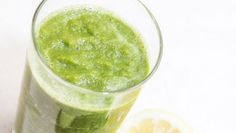 delicious four-ingredient avocado smoothie - Cityline - With healthy ingredients like avocado, pineapple, coconut milk and basil—we promise this recipe will lead to your new favourite smoothie. Matcha Smoothie, Avocado Smoothie, Scrambled Eggs With Spinach, Healthy Green Smoothies, Simple Smoothies, Healthy Drinks, Diet Recipes, Healthy Recipes, Smoothie Recipes
