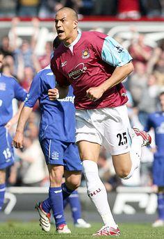 Bobby Zamora - West Ham United 2004-08. West Ham United Fc, Football Players, Soccer, Irons, Badges, Beast, Sports, England, Football