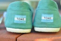 toms)