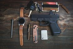 Edc Tactical, Everyday Carry Gear, Edc Gear, Hand Guns, Random Things, Knives, Survival, God, Pocket