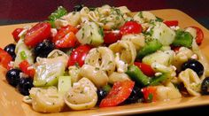 Reteta de salata mediteraneana cu tortellini