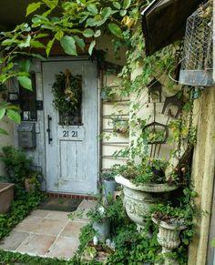 Porches, Dream Garden, Home And Garden, Plants That Love Shade, Garden Entrance, Rustic Gardens, Gnome Garden, Garden Spaces, Back Gardens