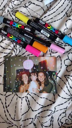 Bff Gifts, Best Friend Gifts, Cute Gifts, Posca Marker, Doodle On Photo, Scrapbook Journal, School Scrapbook, Disposable Camera, Photo Album Scrapbooking