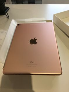 IPad Pro #RoseGold  Iphone 5s Screen, Iphone 7, Iphone Cases, Apple Laptop, Apple Ipad, Ipad Hacks, Ipod, Apple Watch Iphone, New Ipad Pro