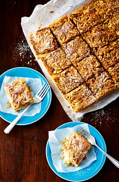 We've turned traditional apple pie into a fabulous slice. Healthy Veg Recipes, Fruit Recipes, Apple Recipes, Sweet Recipes, Cake Recipes, Dessert Recipes, Apple Desserts, No Bake Desserts, Work Meals