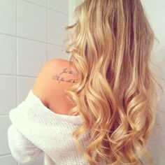 Gorgeous and long golden blonde curls.